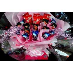 Sweet Bouquets : Malt Easter Mars Milky way Chocolate ~ sweet display ~ delivered in patterened box