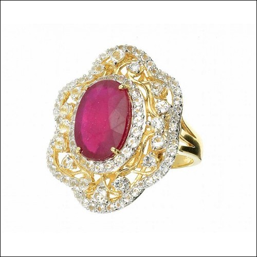 Estimate $15.400 – 18 kt. White/Yellow Silver, 6.05CT Ruby And Colorless Spodmen