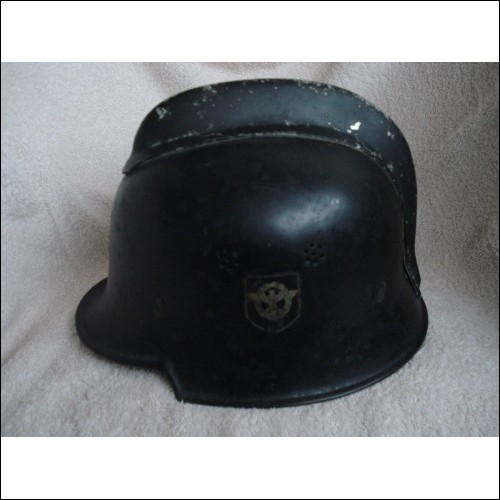 ORIGINAL  / WW2 / GERMAN / FIREFIGHTERS HELMET / CHIN STRAP & LINER
