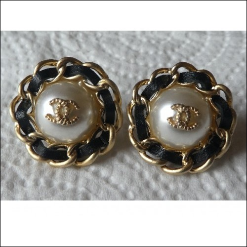 CHANEL STUD EARRINGS CC WITH FAUX PEARL & LEATHER WEAVE. AUTHENTIC