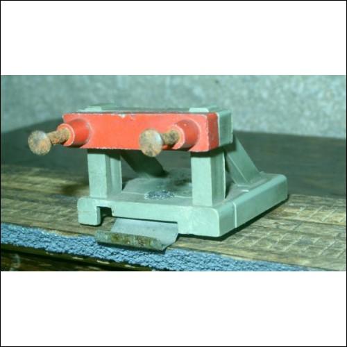 Hornby Dublo plastic/ metal bufferstop Unlit version c1960