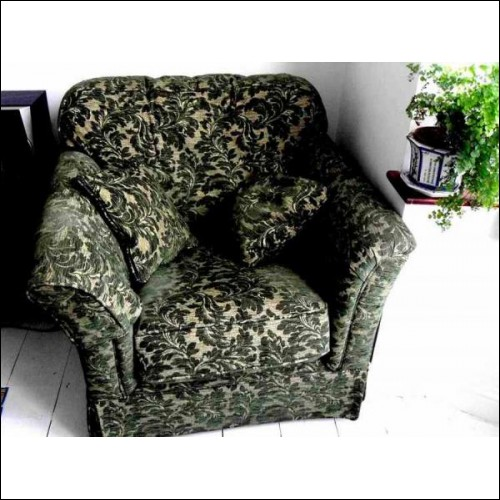 Antique style single sofa