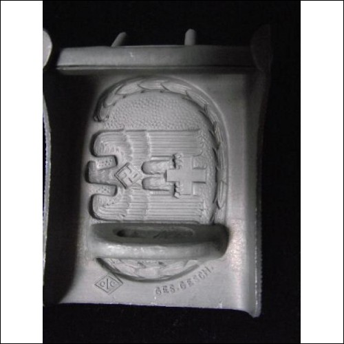 NSDAP ORIGINAL RED CROSS ENLISTED MAN'S BUCKLE