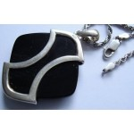 silver black stone pendant pendant on 24 inch chain